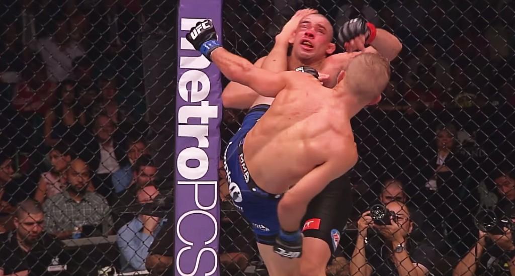 Årets overraskelse: TJ Dillashaw banker Renan Barao gjennom fem runder (Skjermdump fra UFC 173/YouTube.com).