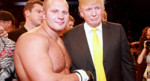 Fedor Emelianenko med Donald Trump. (Tiffany Rose/WireImage)